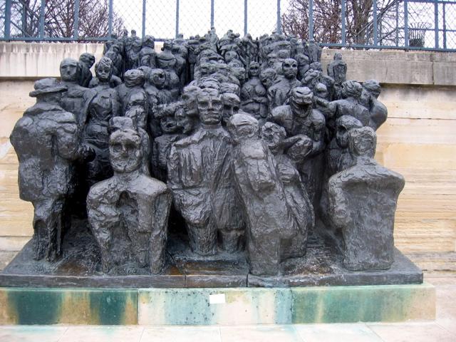 Implementation - Sculpture jardin des tuileries ...